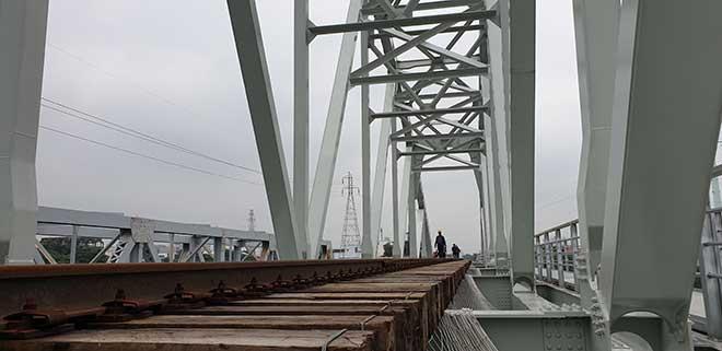 Chuyến tàu cuối cùng chạy trên cầu đường sắt gần 120 tuổi ở Sài Gòn - 5