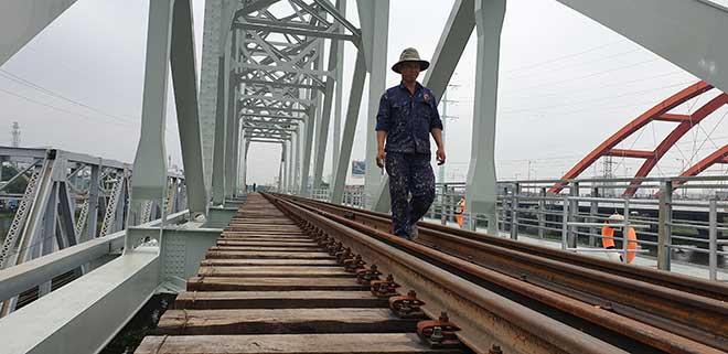 Chuyến tàu cuối cùng chạy trên cầu đường sắt gần 120 tuổi ở Sài Gòn - 3
