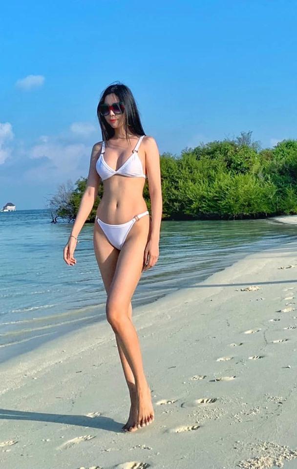 Gu ăn mặc đi đâu cũng nổi bật của Hoa hậu Du lịch Huỳnh Vy - 4