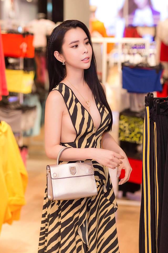 Gu ăn mặc đi đâu cũng nổi bật của Hoa hậu Du lịch Huỳnh Vy - 6