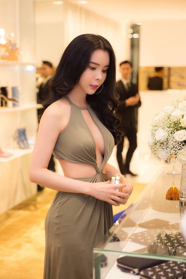 Gu ăn mặc đi đâu cũng nổi bật của Hoa hậu Du lịch Huỳnh Vy - 7