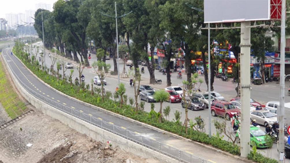 Hà Nội chi hơn 36 tỷ đồng xây 3 cầu vượt cho người đi bộ qua sông Tô Lịch - 1