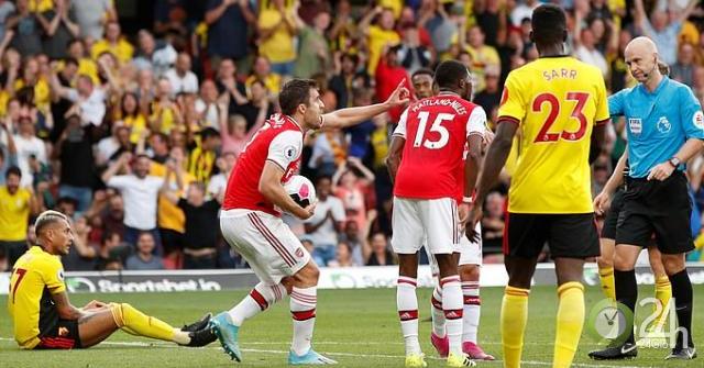 """Arsenal hòa như thua: Báo Anh """"vạch mặt"""" 2 tội đồ, cười kẻ ăn mừng sớm-Bóng đá 24h"""