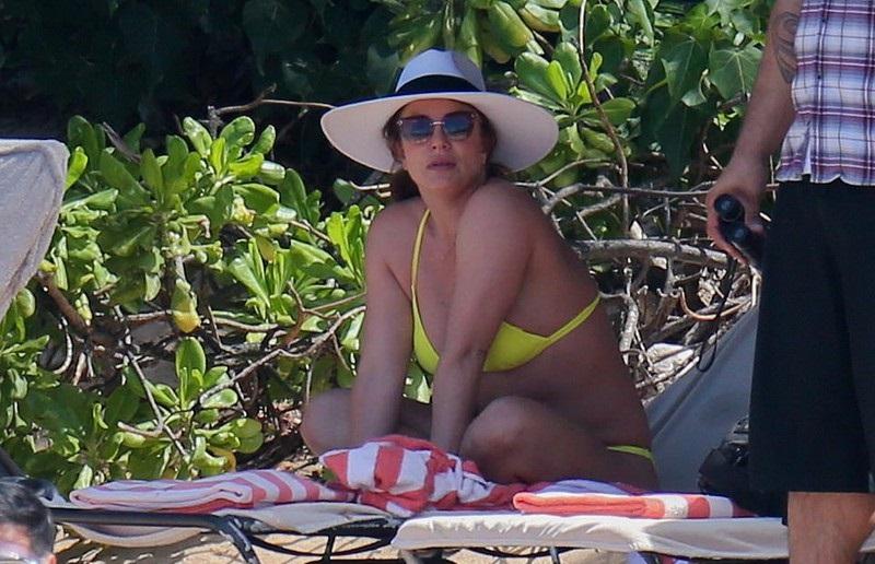 Britney Spears xuống sắc dù đã ăn kiêng, phẫu thuật thẩm mỹ