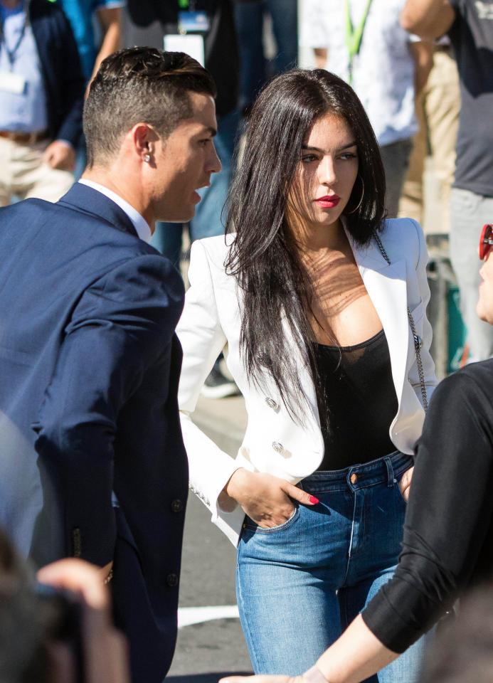 """Người mẫu """"Lọ Lem"""" sắp cưới siêu cầu thủ đào hoa Cristiano Ronaldo là ai? - 9"""