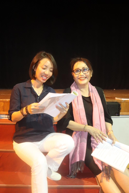 Thu Trang gây tranh cãi gay gắt khi hát cải lương cùng NSƯT Kim Tử Long, Ngọc Huyền