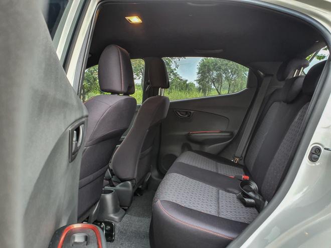Honda Brio RS khẳng định chất riêng, tiện lợi trong phố - 13