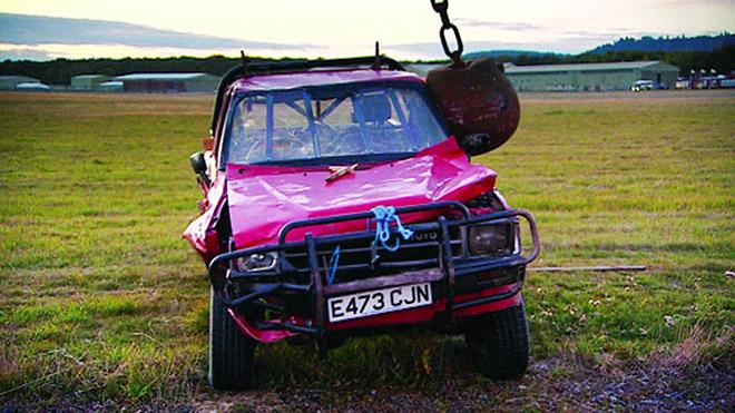 Tại sao Toyota Hilux luôn được đánh giá cao dù ít options hơn đối thủ? - 4