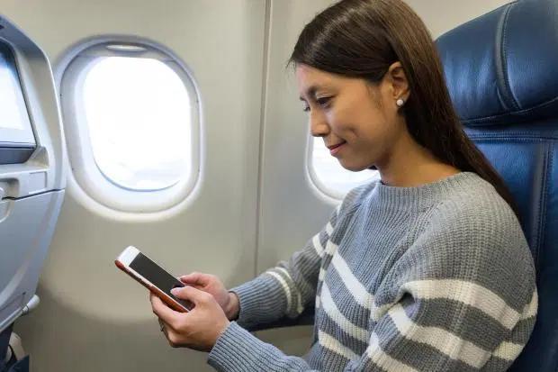 Vì sao cửa sổ máy bay nhất định phải là hình bầu dục?