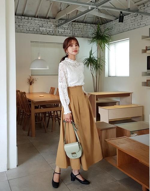 Thời trang công sở mùa thu 2019: Sơ mi cao cổ lên ngôi - 7