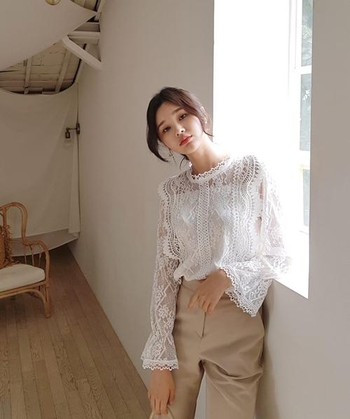 Thời trang công sở mùa thu 2019: Sơ mi cao cổ lên ngôi - 15