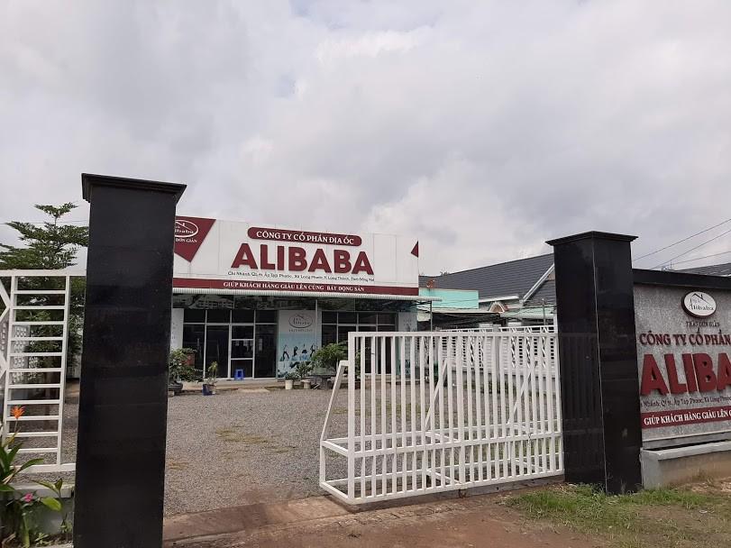 """Cận cảnh hoang tàn ở các văn phòng, """"dự án"""" khi """"ông chủ"""" Alibaba xộ khám - 11"""
