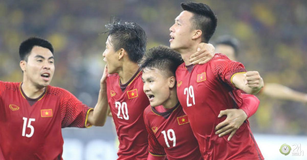 Bảng xếp hạng FIFA tháng 9: Việt Nam đau tim top 100, Thái Lan vẫn hít khói