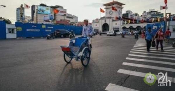 """Dạo phố Sài Gòn trong """"chớp mắt"""", du khách nước ngoài bị 2 lái xích lô giật ví,""""chém"""" 1,7 triệu đồng - Tin tức 24h"""