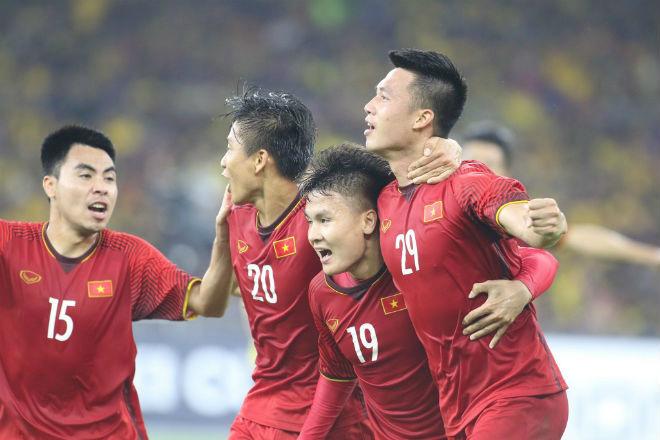 """Bảng xếp hạng FIFA tháng 9: Việt Nam """"đau tim"""" top 100, Thái Lan vẫn """"hít khói"""" - 2"""