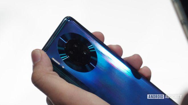 Cận cảnh Huawei Mate 30 Pro: Đẹp không tì vết - 4