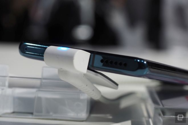 Cận cảnh Huawei Mate 30 Pro: Đẹp không tì vết - 11