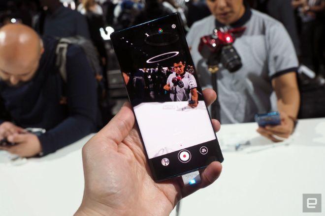 Cận cảnh Huawei Mate 30 Pro: Đẹp không tì vết - 15