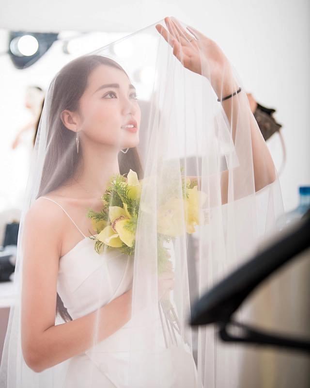 """Á khôi Ngọc Nữ đáp trả """"gắt"""" khi fan hỏi chuyện hẹn hò với Văn Đức - 2"""