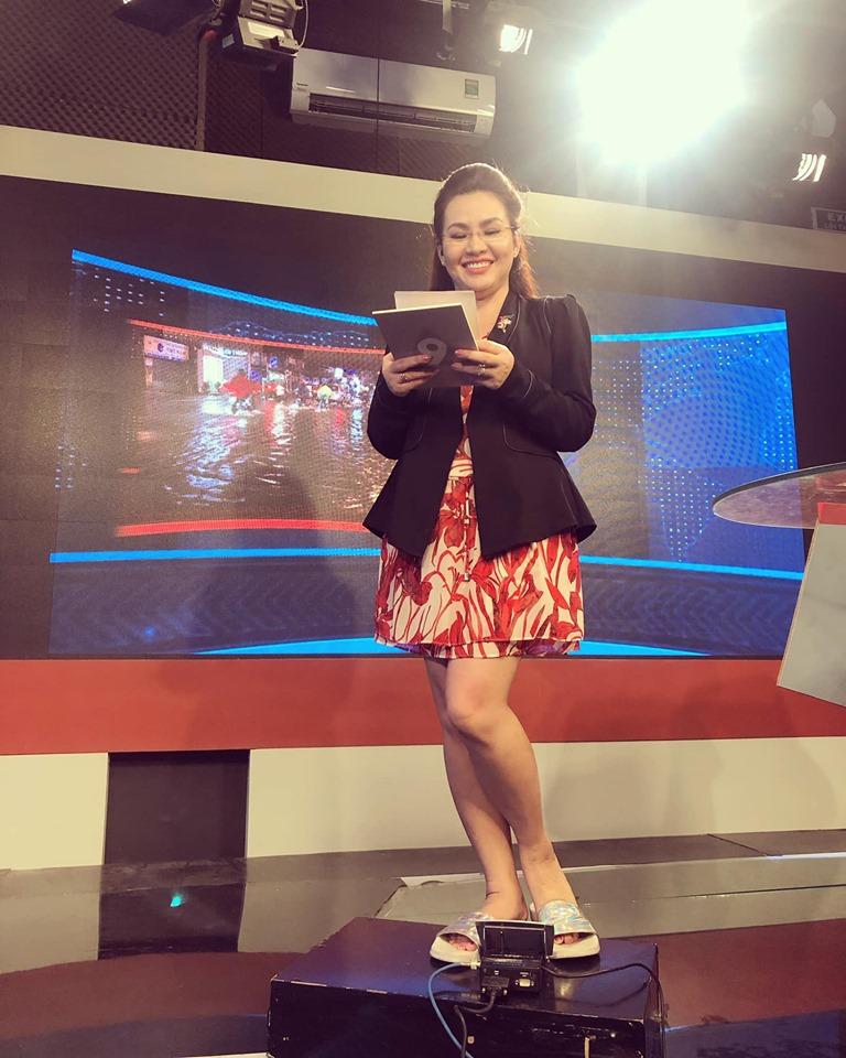 Nữ BTV xinh đẹp của VTV tiết lộ sự thật ngã ngửa trên sóng truyền hình - 2