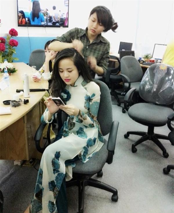 Nữ BTV xinh đẹp của VTV tiết lộ sự thật ngã ngửa trên sóng truyền hình - 5
