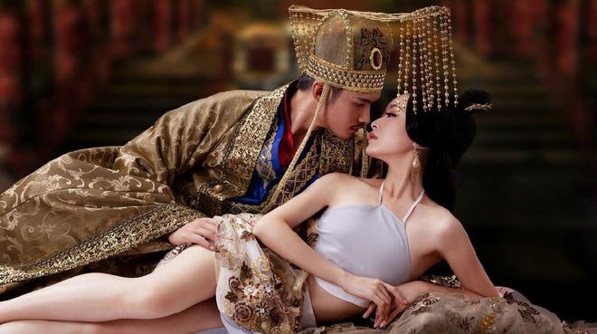 Đằng sau nỗi khổ không nói nên lời của hoàng đế trong chuyện ái ân - hình ảnh 1