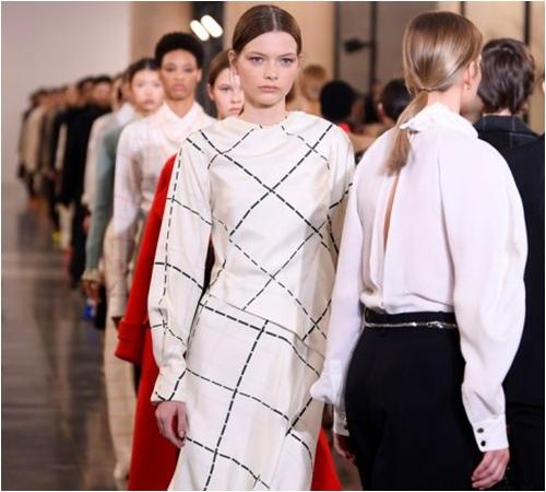 6 bộ sưu tập đỉnh cao nhất của Tuần lễ thời trang London - 7