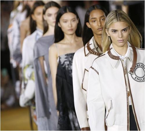 6 bộ sưu tập đỉnh cao nhất của Tuần lễ thời trang London - 1