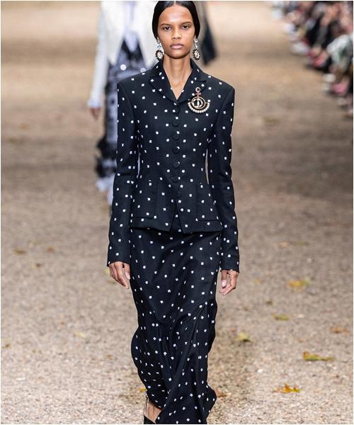 6 bộ sưu tập đỉnh cao nhất của Tuần lễ thời trang London - 10