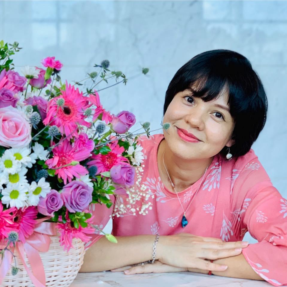 Bất ngờ với nhan sắc Trưởng ban VTV6 Diễm Quỳnh sau 22 năm dẫn sóng - 12