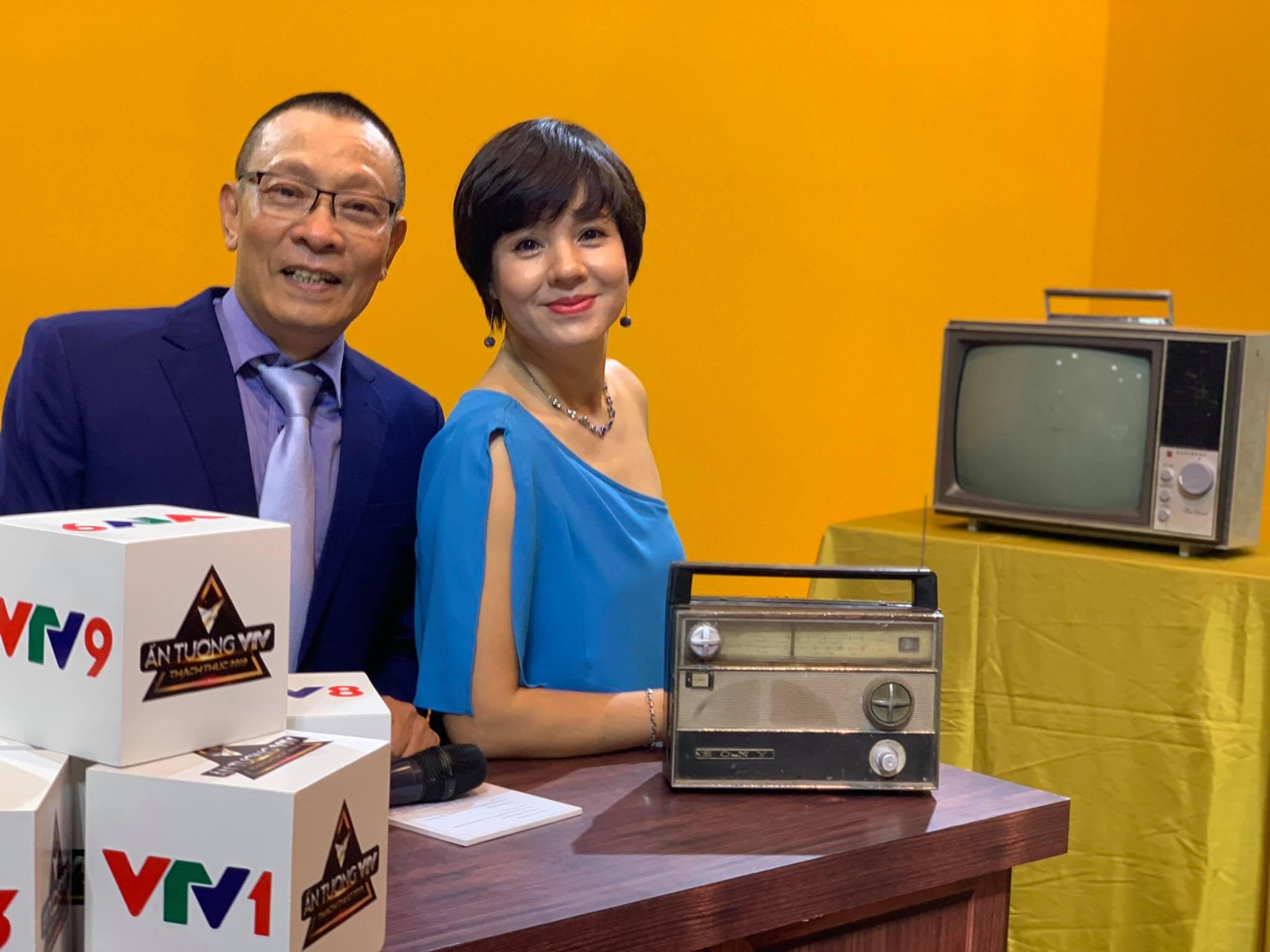 Bất ngờ với nhan sắc Trưởng ban VTV6 Diễm Quỳnh sau 22 năm dẫn sóng - 14