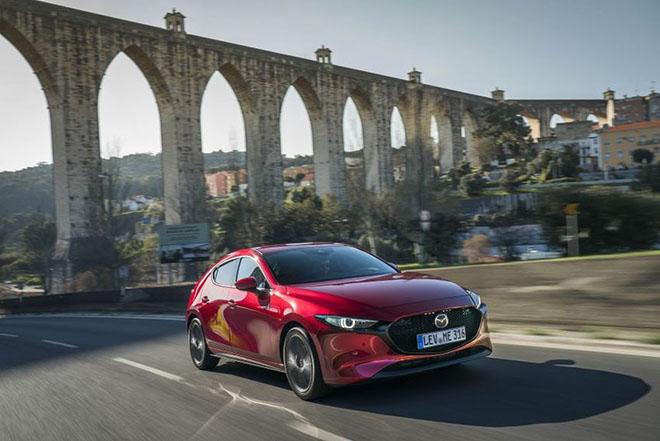 Xem qua những điểm sáng trong thiết kế và động cơ của Mazda3 2019 sắp ra mắt - 1