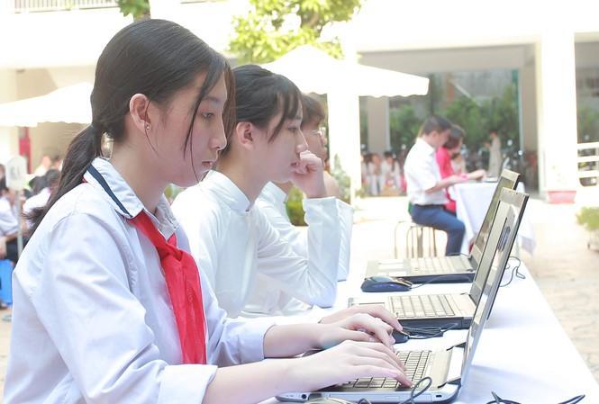 Thi THPT Quốc gia trên máy tính: Còn nhiều băn khoăn - 1