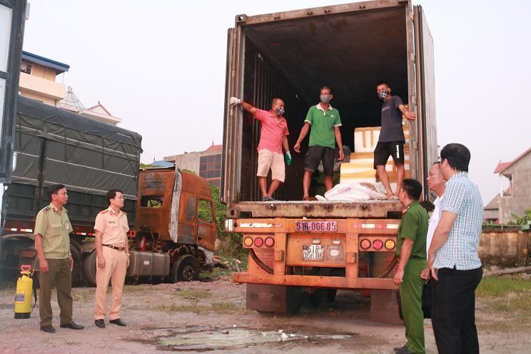 6 tấn lòng nhiễm dịch tả lợn châu Phi chất đầy container mang đi tiêu thụ - 1