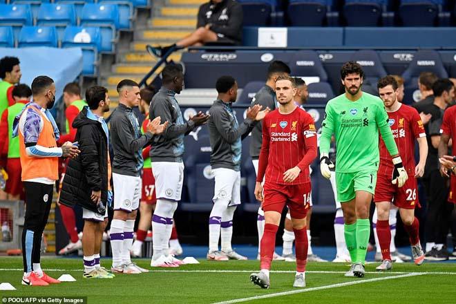 Cựu vương Man City xếp hàng đón tân vương Liverpool, gửi thông điệp thép - 1
