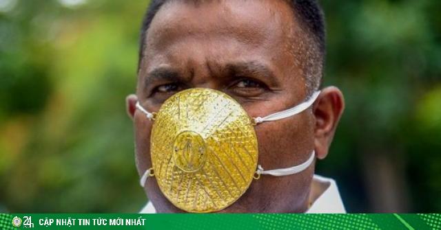 Người đàn ông đeo khẩu trang vàng gần 100 triệu đồng chống Covid-19