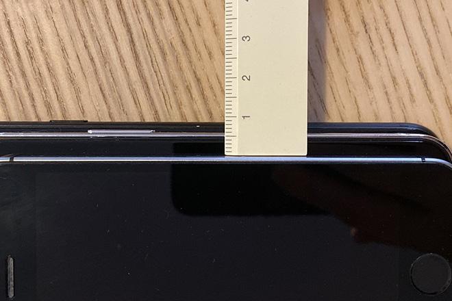 iPhone 12 5,4 inch so kè kích thước cùng iPhone 7 và SE gốc - 3