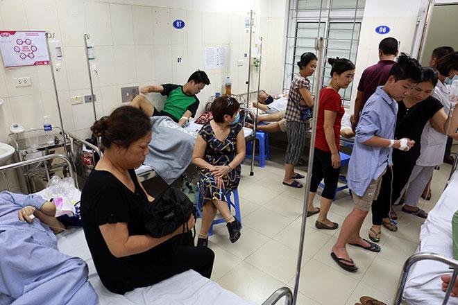 Số người mắc sốt xuất huyết tăng nhanh: Những dấu hiệu nào đe dọa tính mạng? - 1