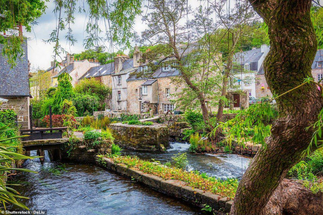 14 ngôi làng đẹp như thiên đường dưới hạ giới ở Pháp - 4