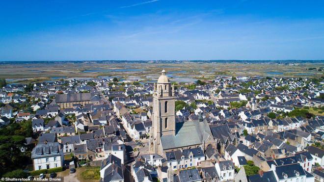 14 ngôi làng đẹp như thiên đường dưới hạ giới ở Pháp - 6