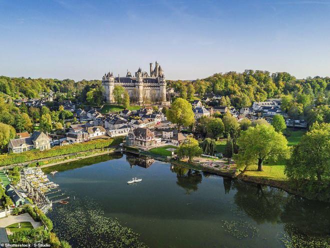 14 ngôi làng đẹp như thiên đường dưới hạ giới ở Pháp - 5