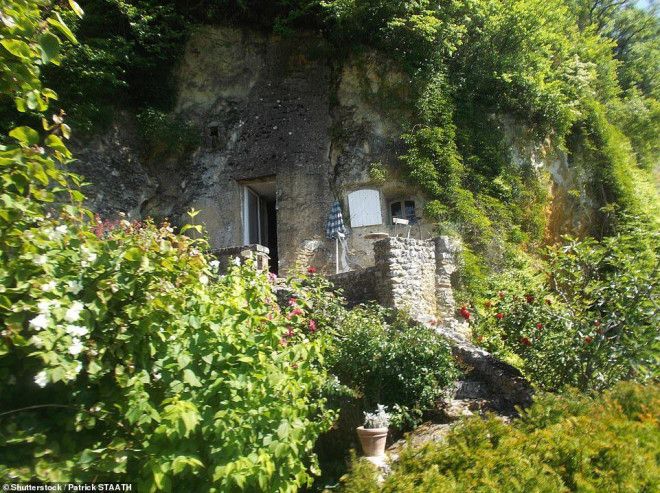 14 ngôi làng đẹp như thiên đường dưới hạ giới ở Pháp - 7