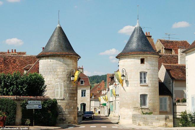14 ngôi làng đẹp như thiên đường dưới hạ giới ở Pháp - 10