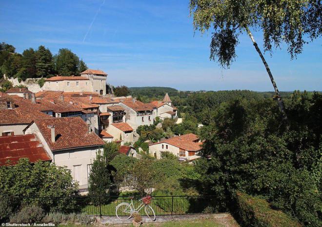 14 ngôi làng đẹp như thiên đường dưới hạ giới ở Pháp - 11