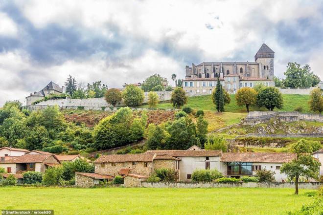 14 ngôi làng đẹp như thiên đường dưới hạ giới ở Pháp - 12