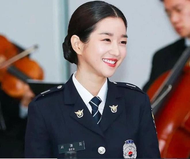 Nữ cảnh sát có nhan sắc xinh đẹp ở xứ Hàn