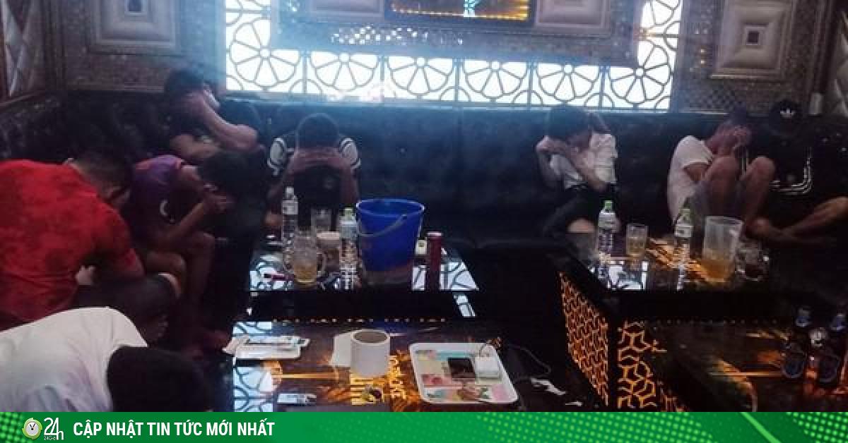 11 cô gái tham gia tiệc ma túy tại phòng hát karaoke
