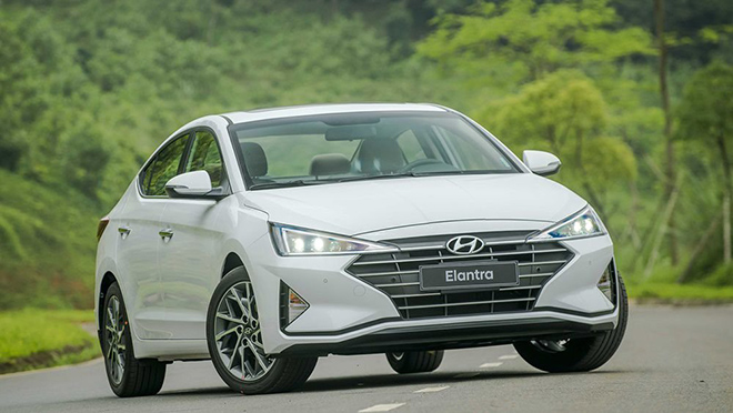 Giá xe Hyundai Elantra lăn bánh giảm 50% LPTB tháng 7/2020 - 2