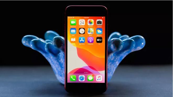 Có nên mua iPhone SE 2020 khi chỉ rẻ hơn iPhone 11 dưới 9 triệu? - 2