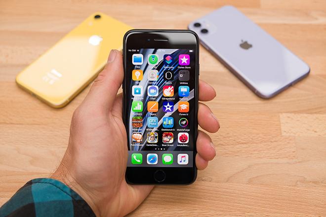Có nên mua iPhone SE 2020 khi chỉ rẻ hơn iPhone 11 dưới 9 triệu? - 4
